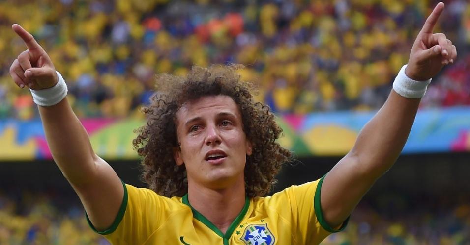 David Luiz chora ao comemorar o primeiro gol do Brasil contra o Chile, no Mineirão