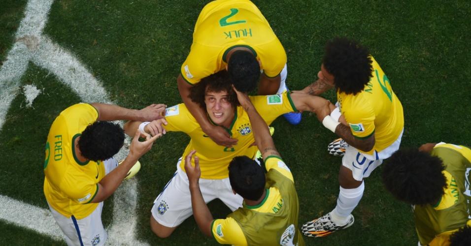 David Luiz comemora o primeiro gol do Brasil contra o Chile, no Mineirão