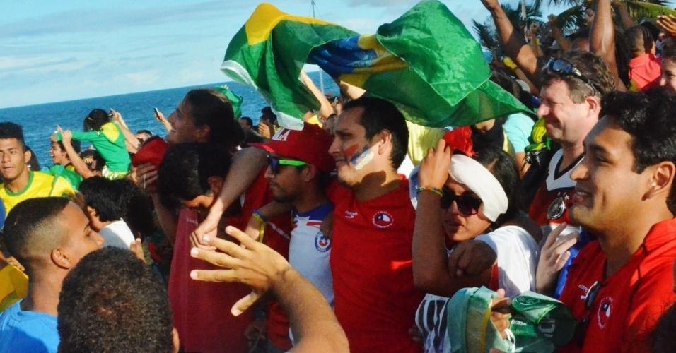 Na Fan Fest de Salvador, chilenos lamentam eliminação na Copa do Mundo para o Brasil após disputa de pênaltis
