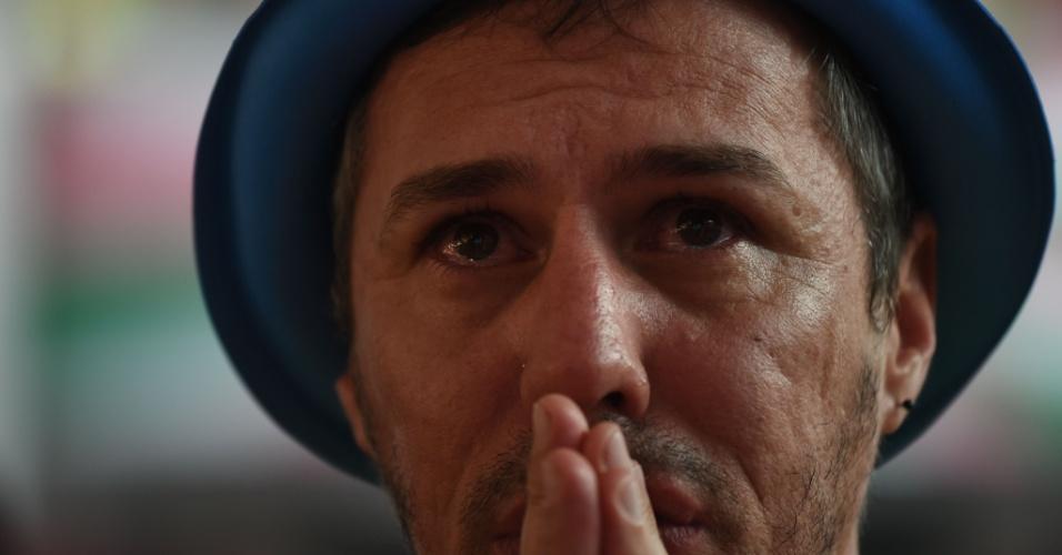 Reação dos torcedores: choro e apreensão na Mangueira