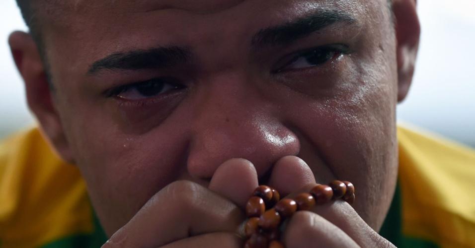 Reação dos torcedores: choro na Mangueira
