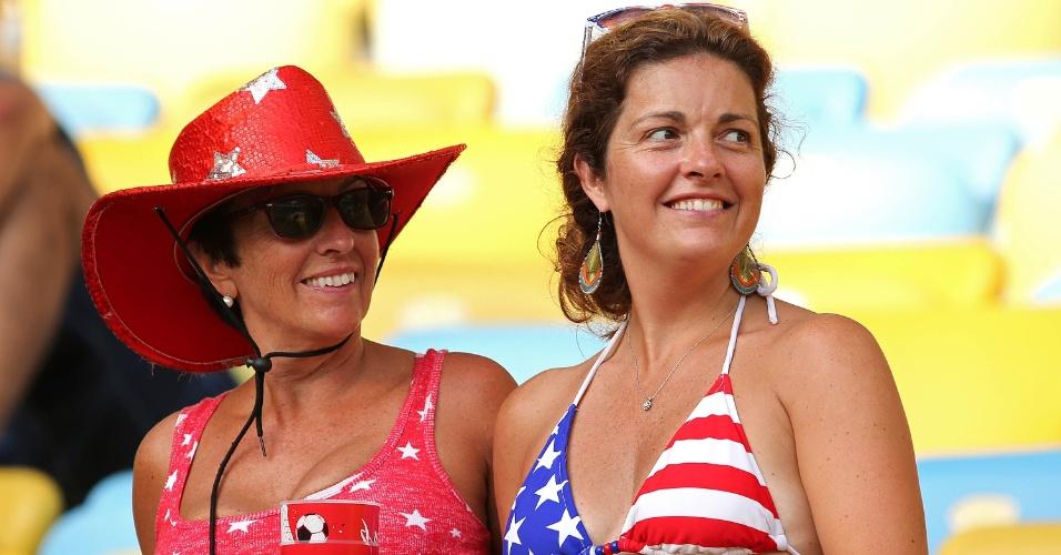 Torcedoras norte-americanas comparecem ao Maracanã para jogo entre Colômbia e Uruguai, pelas oitavas da Copa