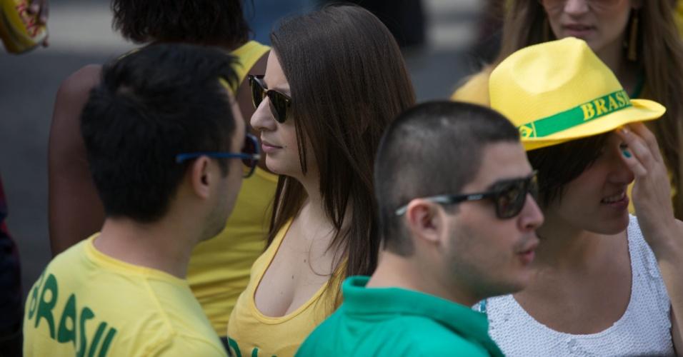 Torcedores começam a chegar à Vila Madalena para acompanhar jogo entre Brasil e Chile