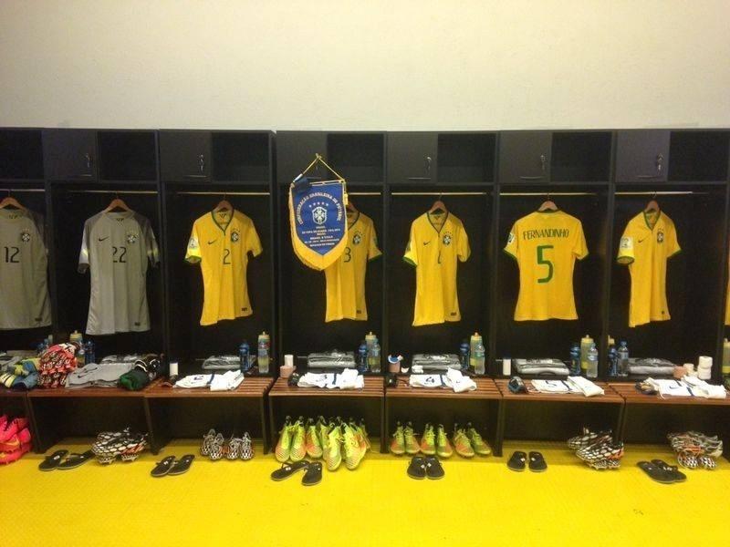 Tudo pronto no vestiário do Brasil para o jogo contra o Chile no Mineirão