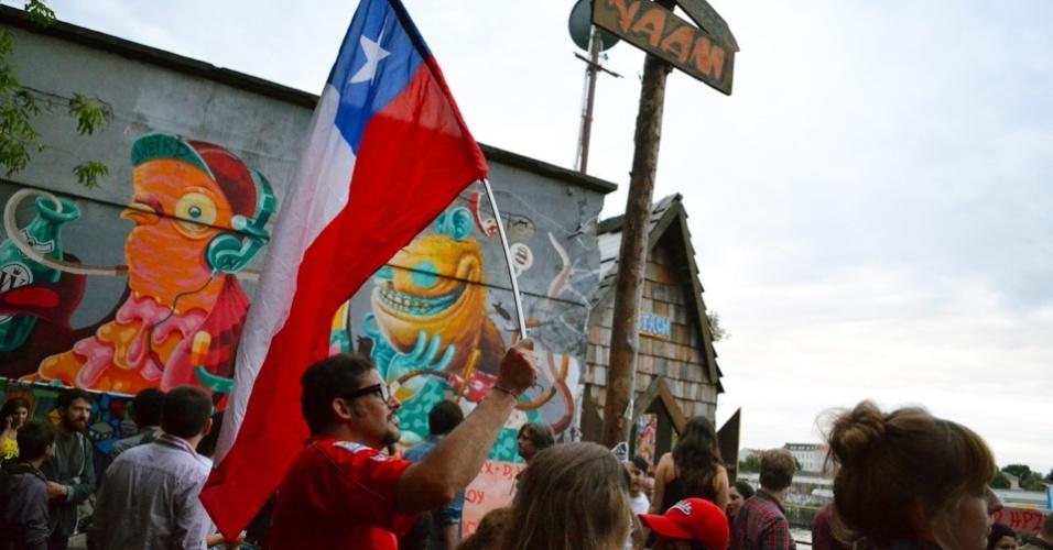 Chilenos se despedem da Copa em exibição do jogo na Alemanha