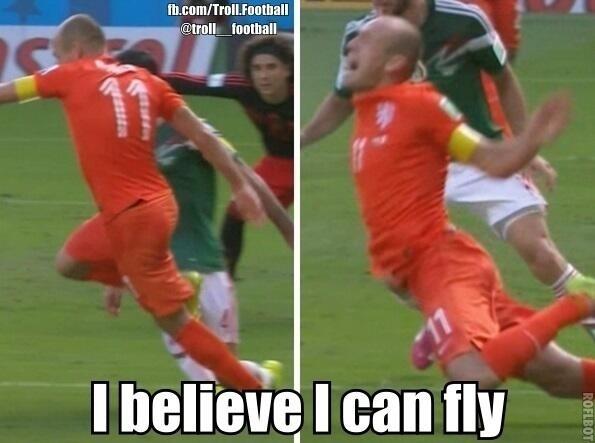 """""""Eu acredito que eu posso voar"""". Internautas brincam com lance de Robben"""