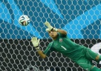 """Melhor da partida, goleiro diz que costarriquenhos """"jogaram com o coração"""" - AFP PHOTO / RONALDO SCHEMIDT"""