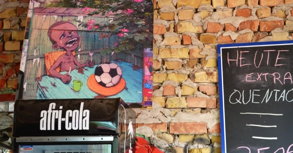 Grafite do artista de rua brasileiro Paulo Ito virou quadro do espaço de eventos Yaam, em Berlim