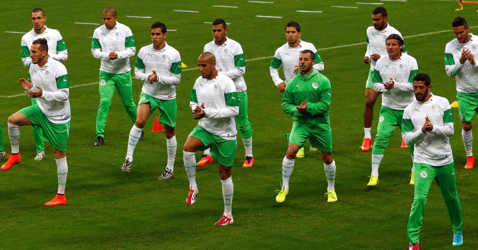 Seleção da Argélia faz treino em Porto Alegre. Seleção enfrenta a Alemanha nesta segunda-feira, no Beira-Rio
