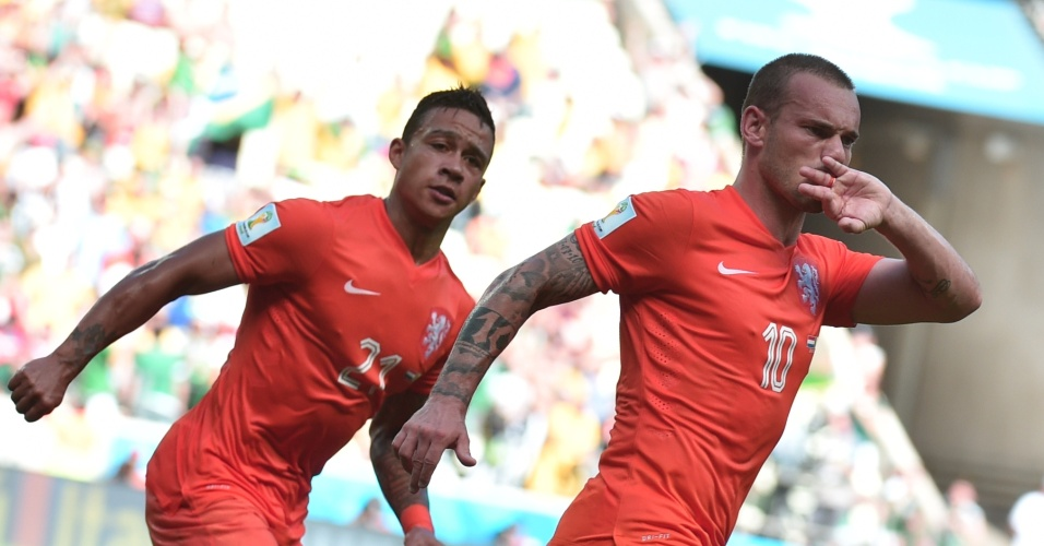 Sneijder comemora após empatar para a Holanda contra o México