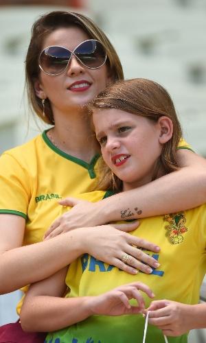 Torcedora brasileira vai ao Castelão para assistir ao jogo entre México e Holanda