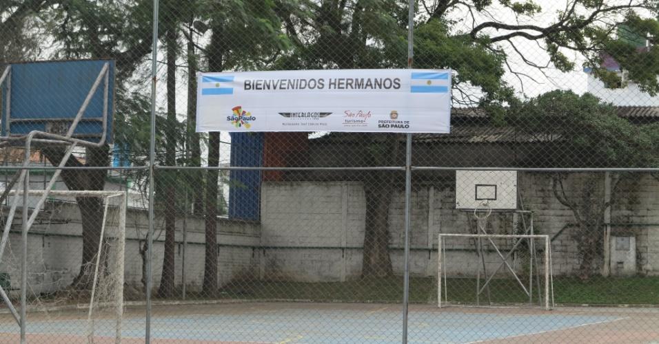 Torcedores argentinos estacionam motorhomes no Autódromo de Interlagos