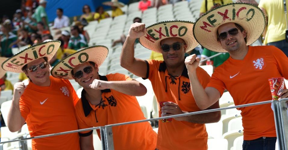 Torcedores da Holanda usam chapéu do México na Arena Castelão