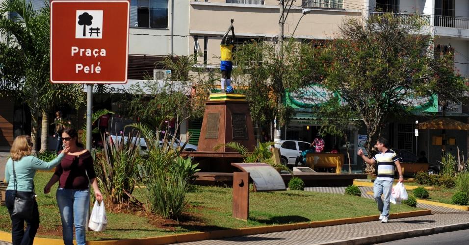 Praça Pelé é uma das referências mais conhecidas ao filho ilustre de Três Corações - inaugurada para homenagear o tri de 1970