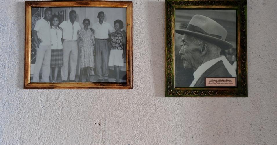 Fotos da família Nascimento dentro da Casa Pelé, dedicada à memória do ídolo do futebol em seus primeiros anos de vida