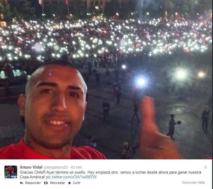 Vidal registra presença de grande público na recepção aos atletas no Palácio de La Moneda