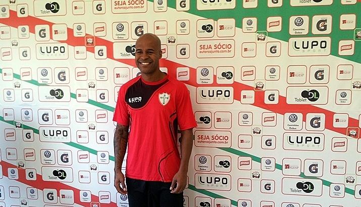 30-06-2014 - Marcos Assunção se apresenta e treina na Portuguesa