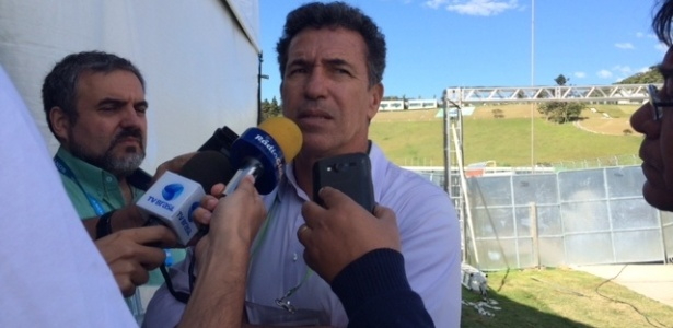 Careca, ex-centroavante da seleção brasileira, critica o zagueiro Thiago Silva