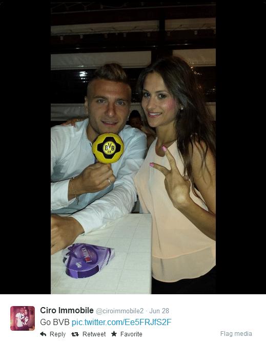 Immobile celebra com a namorada a transferência para o Borussia Dortmund após a eliminação com a Itália na fase de grupos da Copa