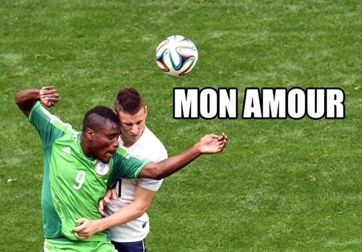O jogo entre França e Nigéria teve alguns lances violentos, outros nem tanto