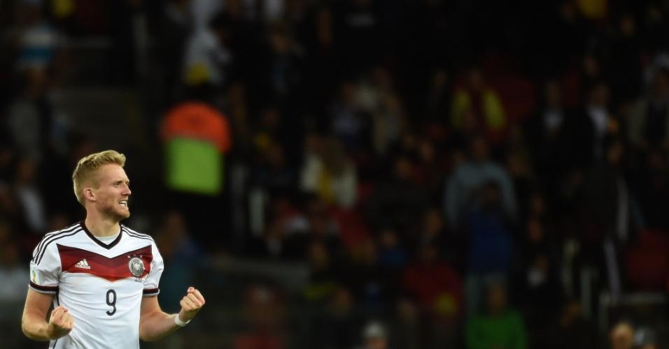 30.jun.2014 - Schürrle, que começou no banco de reservas, comemora após marcar para a Alemanha contra a Argélia, na prorrogação