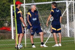 Mascherano e Messi recebem camisa do Corinthians após treino no Itaquerão eee459f7dd88c