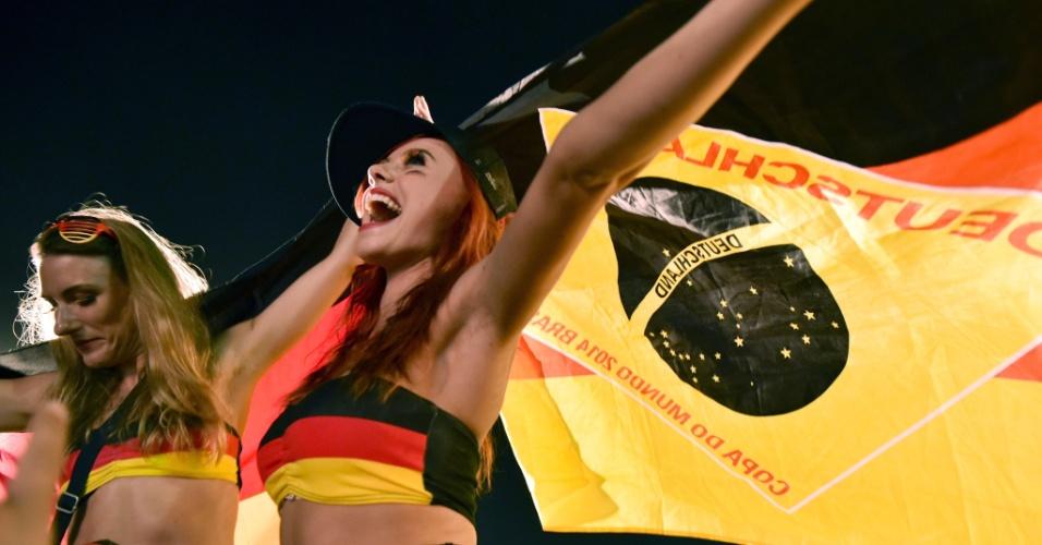 Torcedoras alemãs comemoram classificação às quartas de final na Fan Fest do Rio de Janeiro
