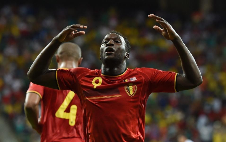 01.jul.2014 - Atacante Lukaku vibra após marcar o segundo gol da Bélgica contra os Estados Unidos