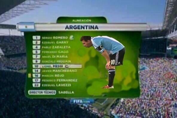 Até na escalação Messi vomita
