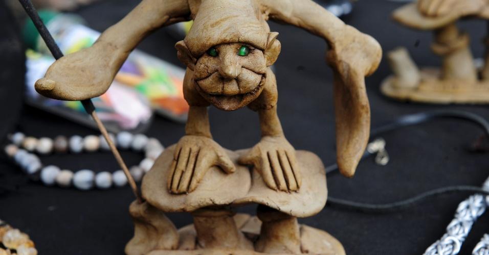 O artesanato hippie é uma das atrações para os visitantes de São Tomé das Letras ao longo do ano
