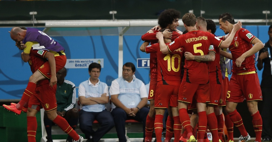 01.jul.2014 - Jogadores da Bélgica comemoram gol contra os Estados Unidos na prorrogação