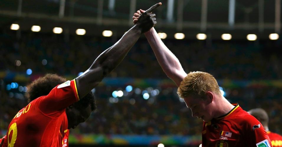 01.jul.2014 - Lukaku e De Bruyne comemoram gol contra os Estados Unidos, na Fonte Nova