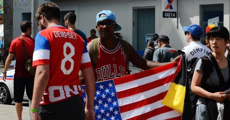 01.jul.2014 -  Movimentação de torcedores no Pelourinho antes de partida entre Bélgica x EUA