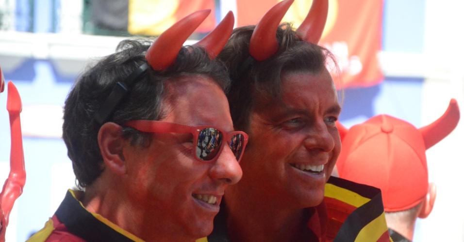 No Pelourinho, torcedores belgas exibem visual de diabo antes de partida contra os EUA na Fonte Nova