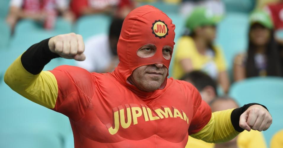01.jul.2014 - A Bélgica contou com os superpoderes do Jupilman para vencer os Estados Unidos na prorrogação em Salvador