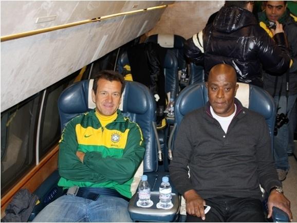 Fofana posa para foto ao lado de Dunga, quando o ex-jogador era técnico da seleção