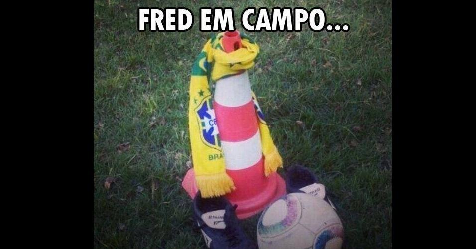 Internautas comparam Fred com um cone com uma camisa amarrada