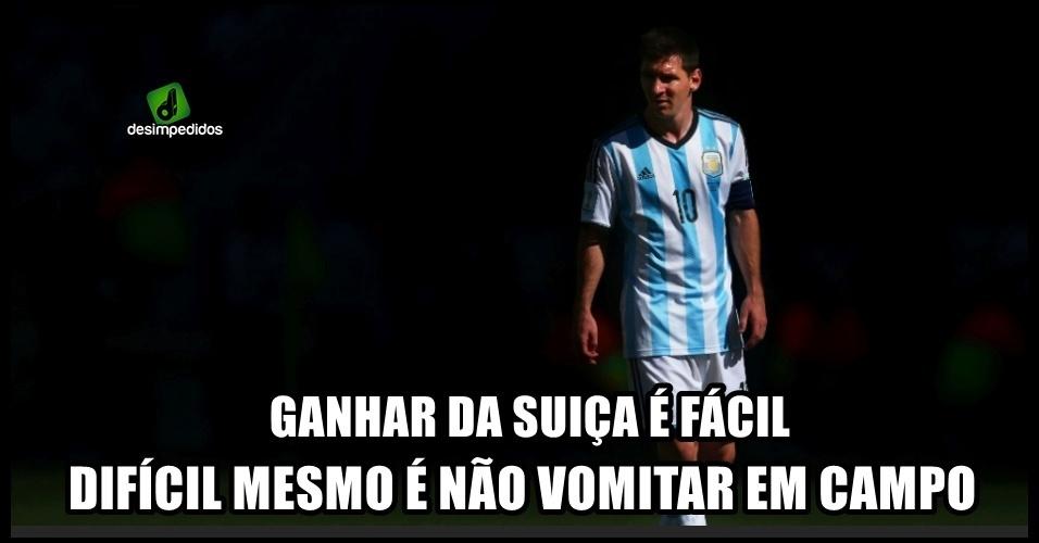 Messi passando mal durante os jogos gerou piadas dos torcedores