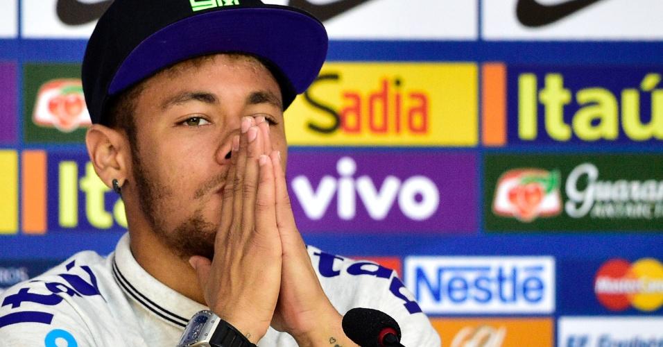 Neymar, atacante da seleção brasileira, durante a coletiva de imprensa na Granja Comary