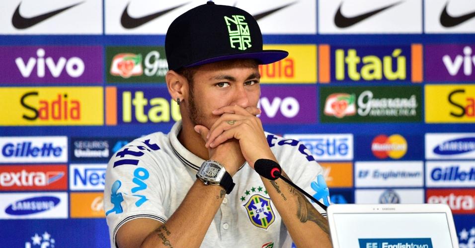 Neymar, atacante da seleção brasileira, em coletiva de imprensa na Granja Comary
