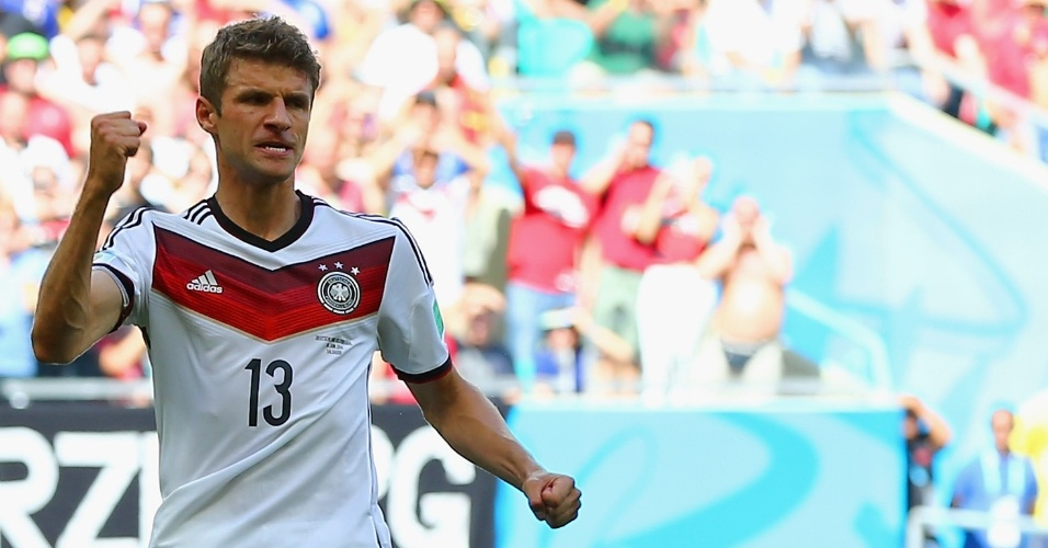 Thomas Muller comemora durante partida contra Portugal