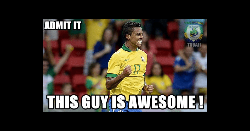 """""""Admita, esse cara é incrível"""". Luiz Gustavo tem feito uma Copa muito boa na visão dos torcedores estrangeiros"""