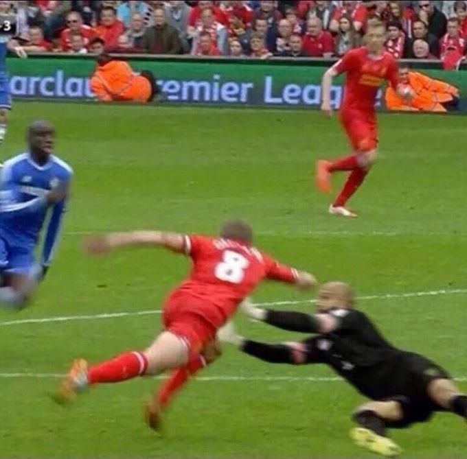 Cai não, Gerrard!