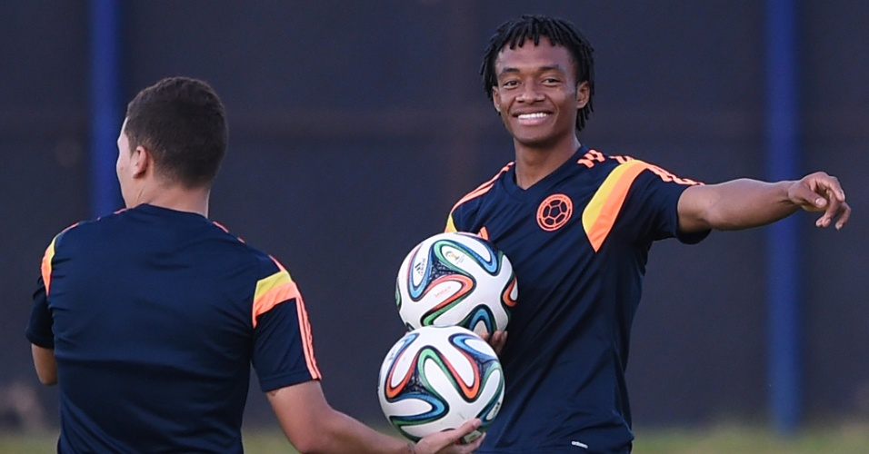 03.jul.2014 - Colombiano Cuadrado sorri durante treinamento de sua seleção em Fortaleza, palco da partida contra o Brasil, nesta sexta-feira