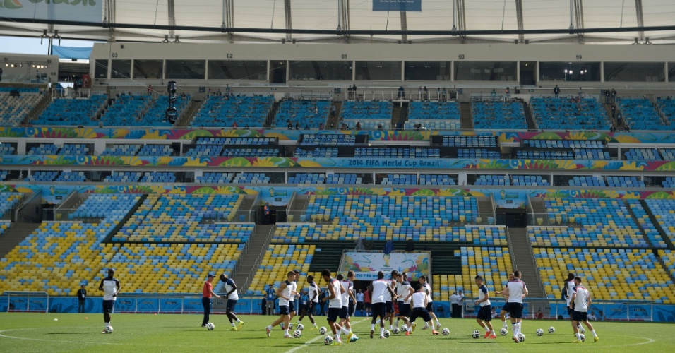 03.jul.2014 - Seleção francesa faz treinamento no Maracanã, palco de França x Alemanha nesta sexta-feira