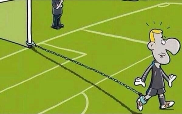 Só assim para o Neuer não sair do gol