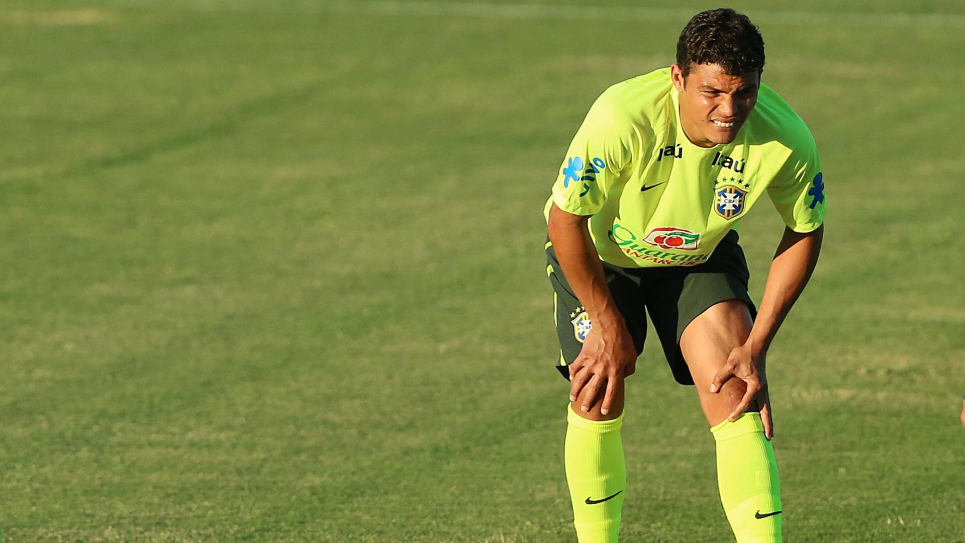 03.jul.2014 - Thiago Silva participa de treinamento na véspera da partida de quartas de final da Copa, contra a Colômbia. O jogo será no Castelão