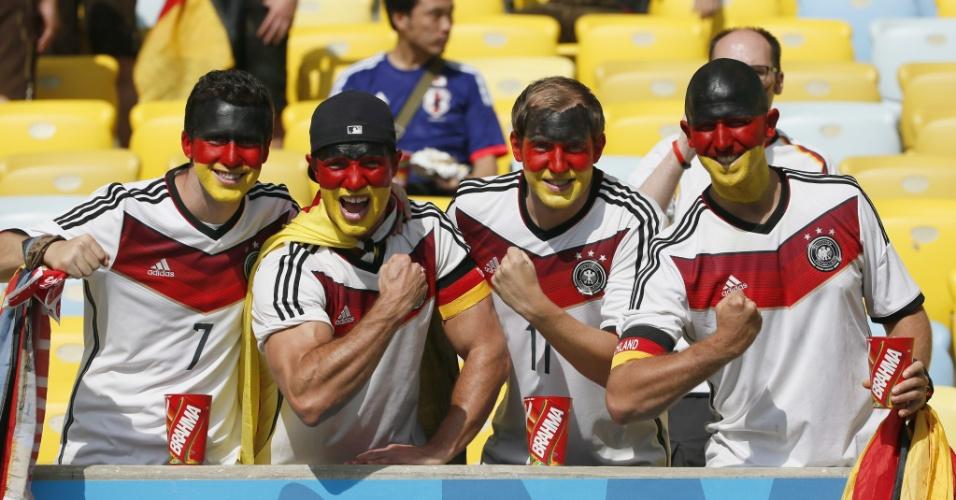 Alemães fazem festa nas arquibancadas do Maracanã antes do jogo contra a França