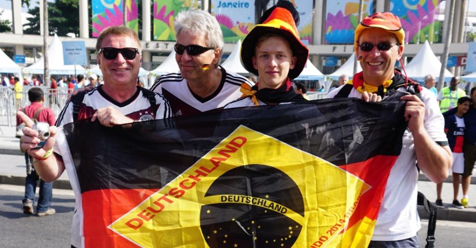Bandeira do Brasil ganha as cores da Alemanha para jogo no Maracanã