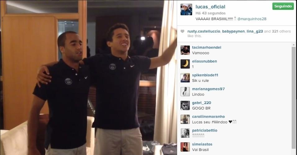 Brasileiros do PSG, time de Thiago Silva, David Luiz e Maxwell, Lucas e Marquinhos assistem ao jogo do Brasil e também cantam o hino nacional